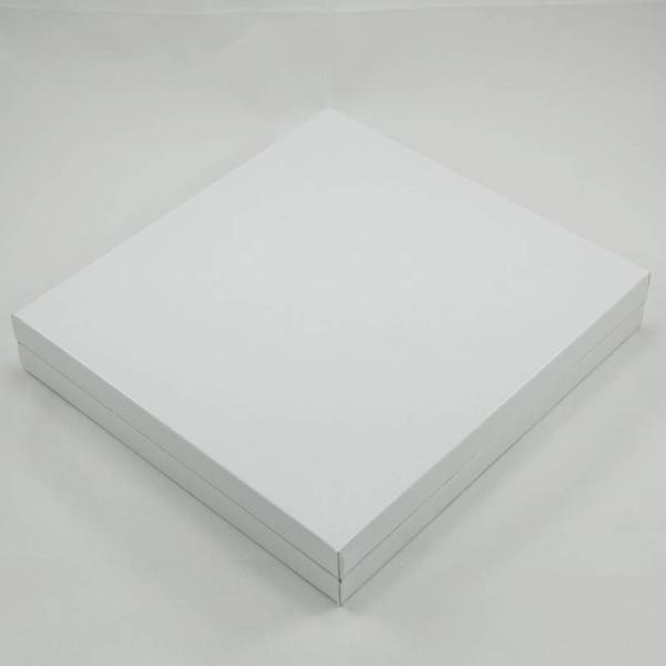 16 Bölmeli Madlen Çikolata Kutusu Beyaz Renkli özellikleri